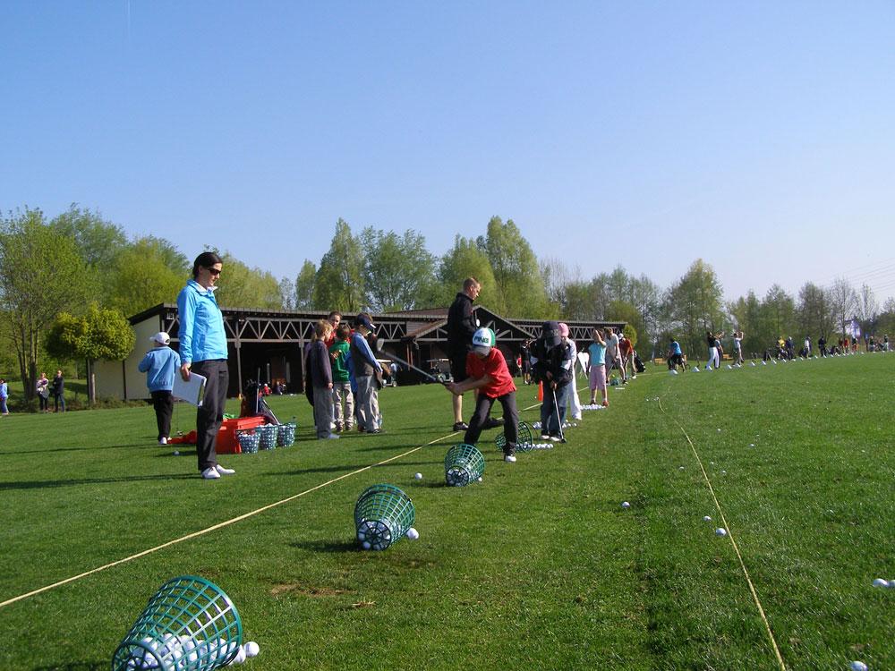 Jugendliche beim Training.