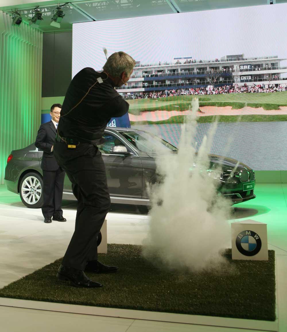 Abschlag für die BMW Masters