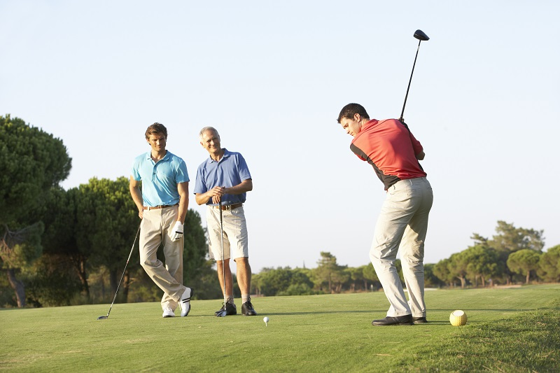 """Korrekte Golfkleidung – """"sportlich, bequem, ordentlich"""", schreibt der DGV. Foto: colourbox.com"""