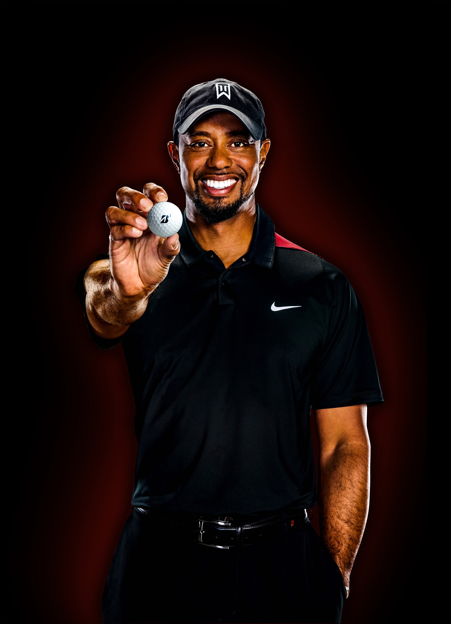 Tiger Woods mit Golfball.