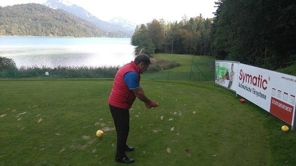 Golfanlage in den Alpen.