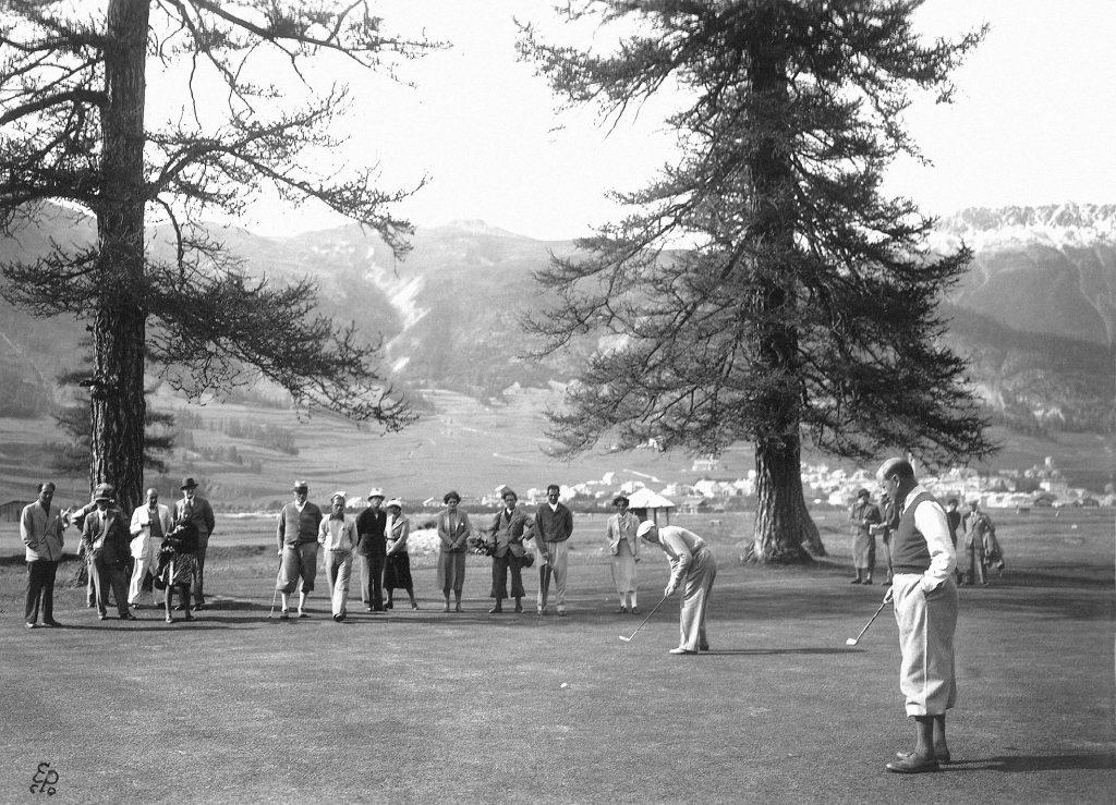 Golfspielen im Engadine Golf Club in der Schweiz